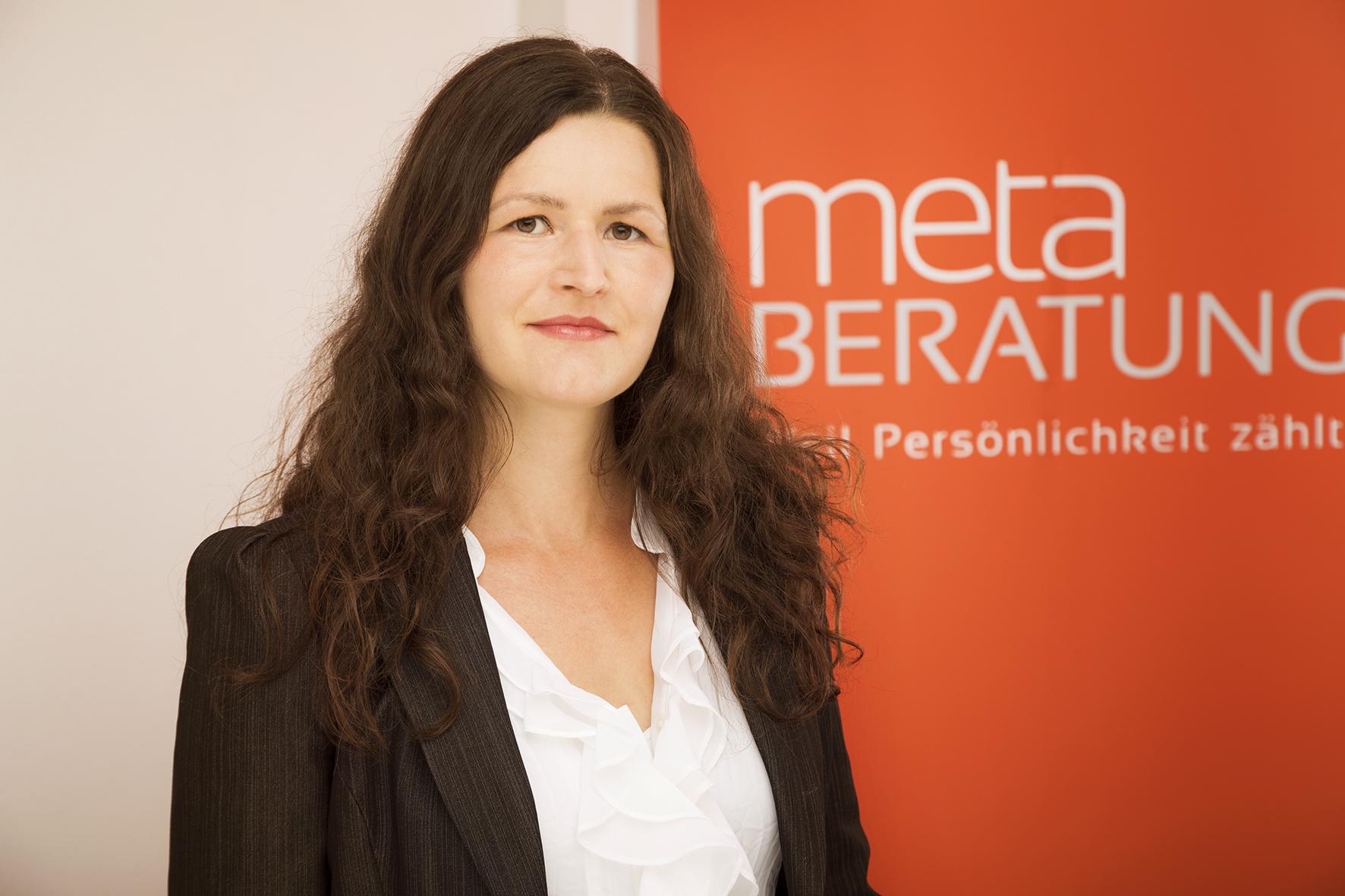 Dr Stefanie Puckett